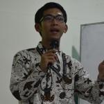 Hidayatul Mabrur Memberikan Materi dalam Studium Generale Mahasiswa Baru Angkatan 2014